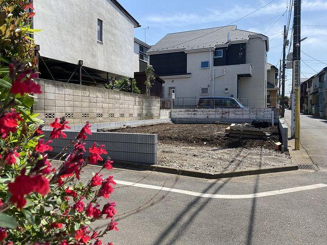建物本体に先立ち外構工事が完了!西東京市泉町2丁目新築一戸建て(4.15)