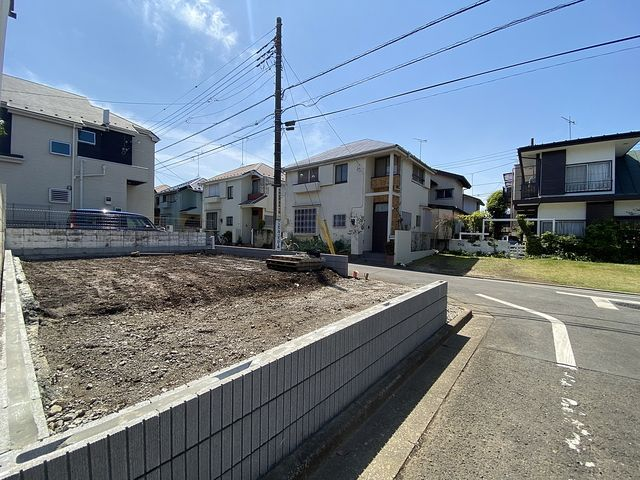 先行して外構工事が完了した西東京市泉町2丁目の新築一戸建て2(2021.4.15)スプラッシュ