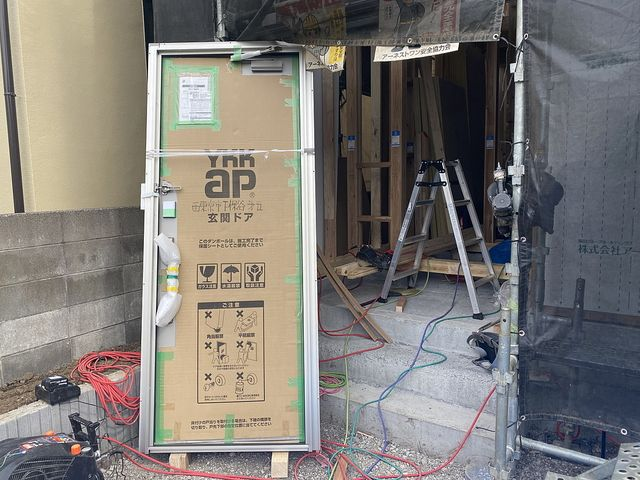 西東京市下保谷3丁目新築一戸建て玄関(2021.4.22)スプラッシュ