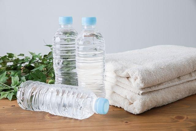 ペットボトルの水タオル