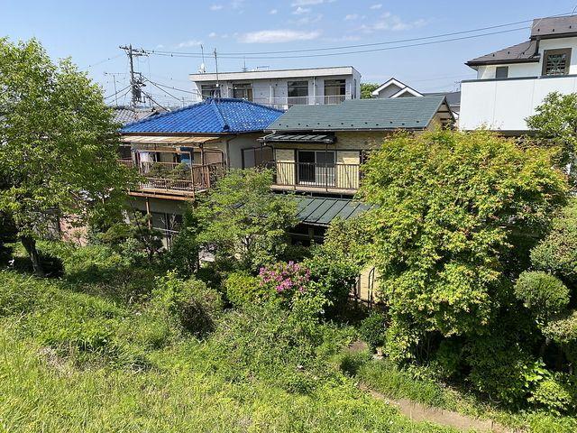 馬の背から見た西東京市向台町6丁目の戸建住宅(2021.5.1)スプラッシュ