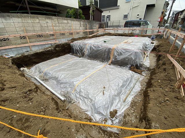 西東京市泉町2丁目新築一戸建ての基礎工事の様子2(2021.5.1)スプラッシュ