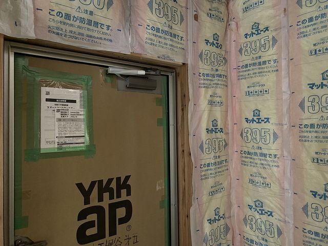 西東京市下保谷3丁目新築一戸建ての玄関周りのの断熱材の納まり(2021.5.2)スプラッシュ