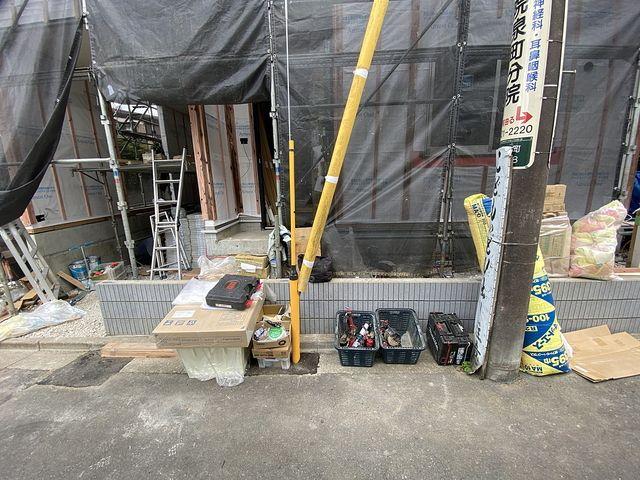西東京市泉町2丁目新築戸建の前面にある電柱(2021.6.3)スプラッシュ