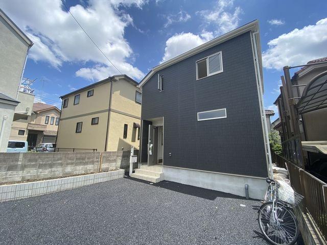 完成した西東京市下保谷3丁目新築住宅の外観写真(2021.6.5)スプラッシュ