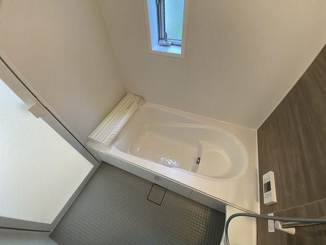 西東京市泉町2丁目新築戸建の浴室・スプラッシュ