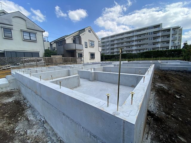 西東京市富士町1丁目新築一戸建て全3棟2号棟の基礎(2021.9.21)スプラッシュ