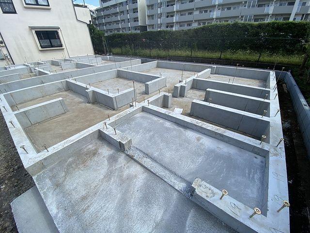 西東京市富士町1丁目新築一戸建て全3棟3号棟の基礎(2021.9.21)スプラッシュ