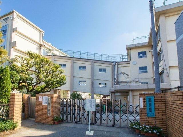 練馬第二小学校の正門