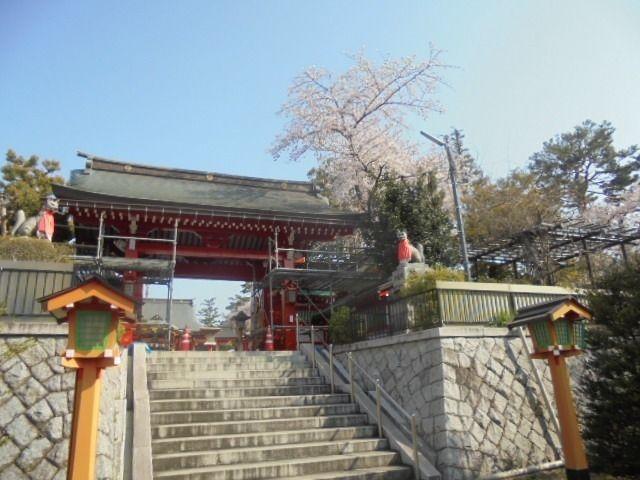 東伏見稲荷神社の山門入口