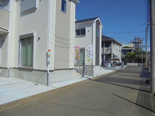 西東京市中町6丁目新築分譲住宅の前面道路の様子