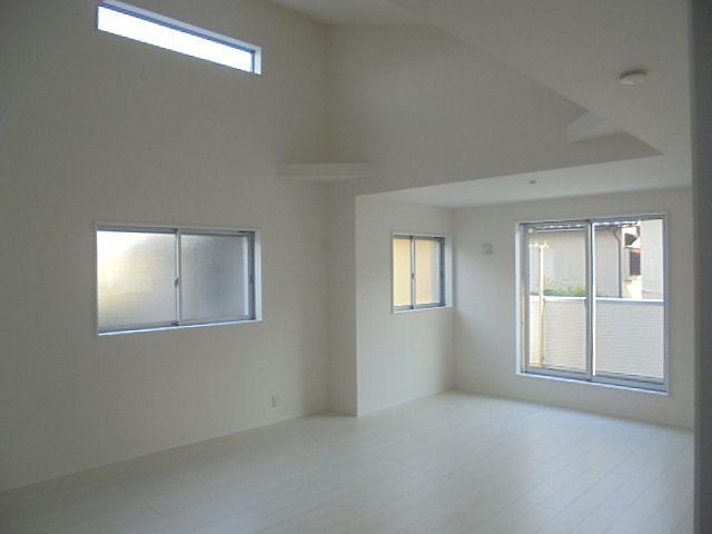 東伏見駅徒歩9分の新築分譲住宅はリビ充家族のためのお住まいです