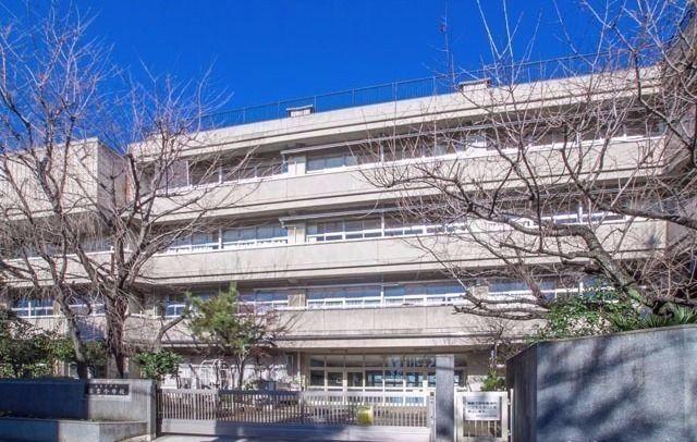 西東京市住吉町五丁目に所在する住吉小学校のご紹介です。