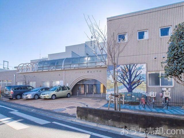 西東京市住中町五丁目に所在する碧山小学校のご紹介です。