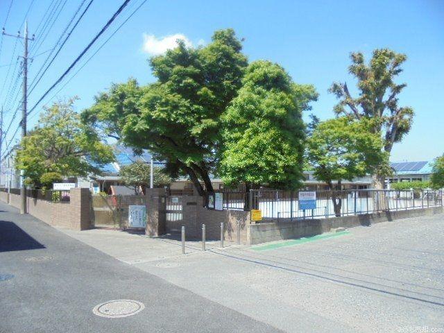 西武新宿線「東伏見」駅北口徒歩6分、西東京市富士町2丁目に所在する幼稚園です