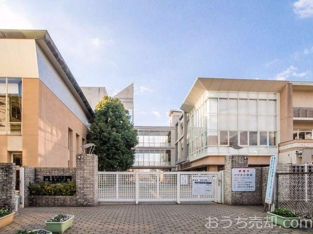 西東京市芝久保町五丁目に所在する、けやき小学校のご紹介です。