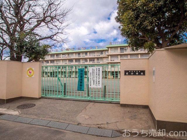 西東京市栄町二丁目に所在する栄小学校のご紹介です。