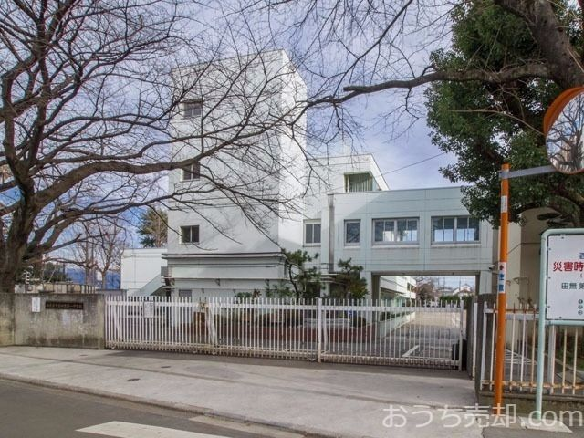 西東京市南町六丁目に所在する田無第一中学校のご紹介です。