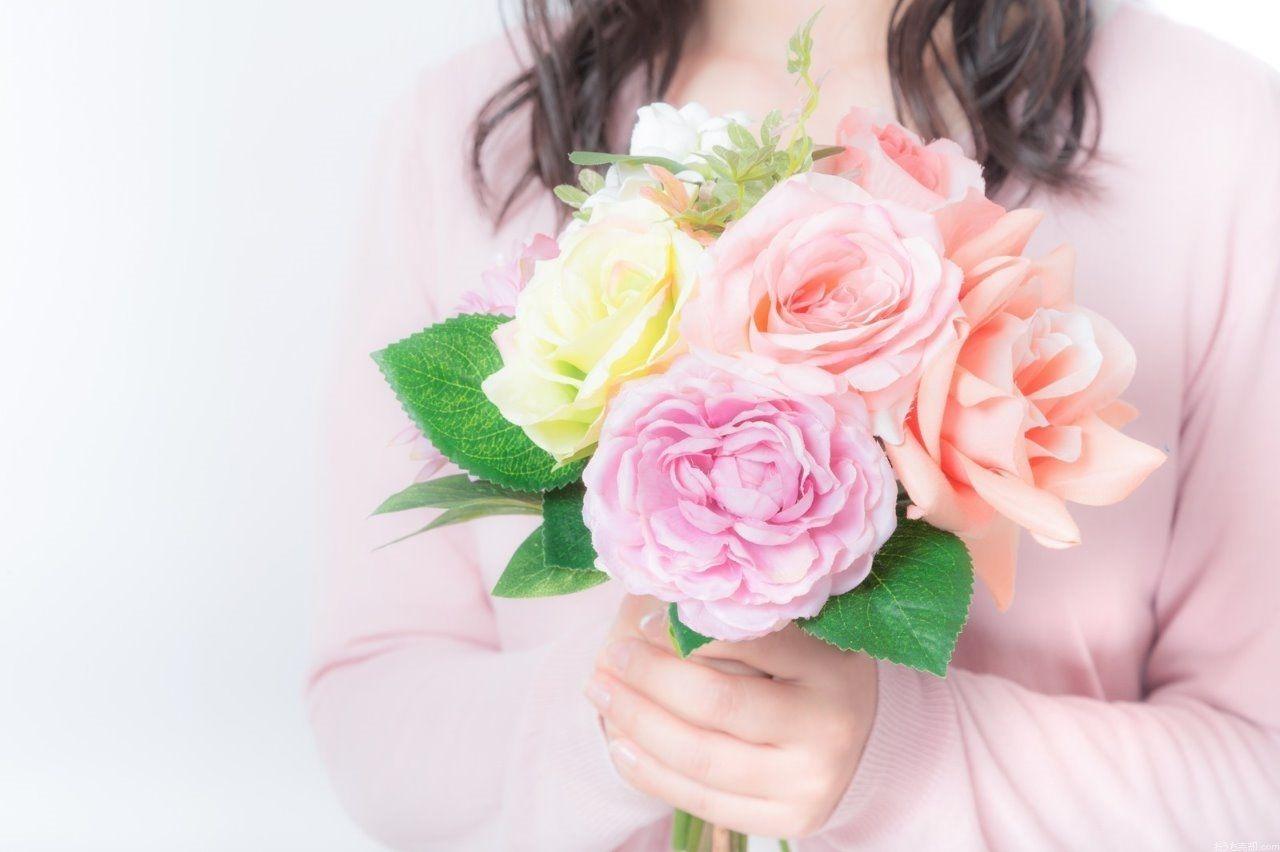 5月14日(日曜日)は母の日です。お母さんに感謝する日です。