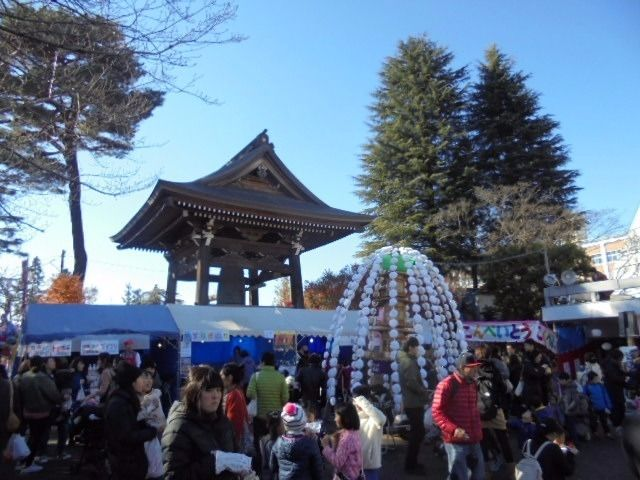 関のボロ市、12月9日(日)10日(月)開催