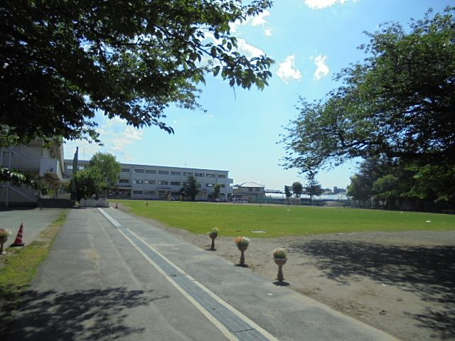 保谷小学校の校庭